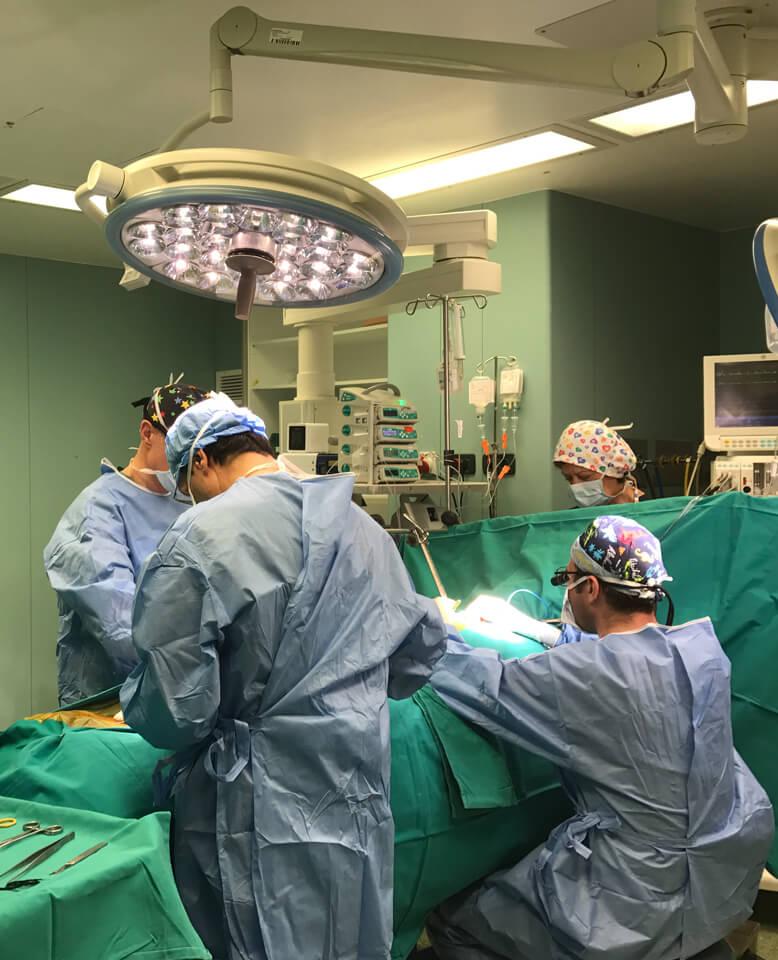 Χειρουργική των στεφανιαίων αγγείων ακόμα και περιστατικών υψηλού κινδύνου με απόλυτη επιτυχία και ακρίβεια